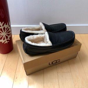Men's UGG Ascot Leather Slipper Size 11